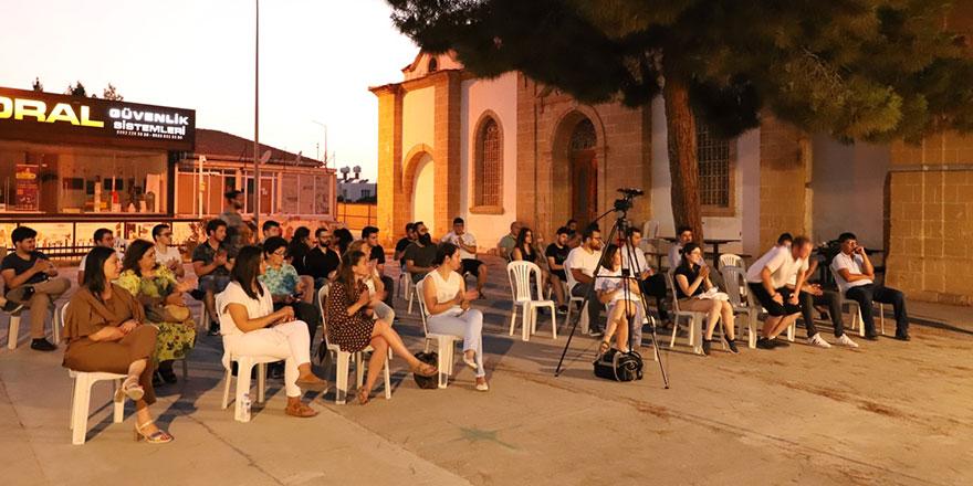 """""""Demokrasinin Sesi"""" paneli düzenlendi"""