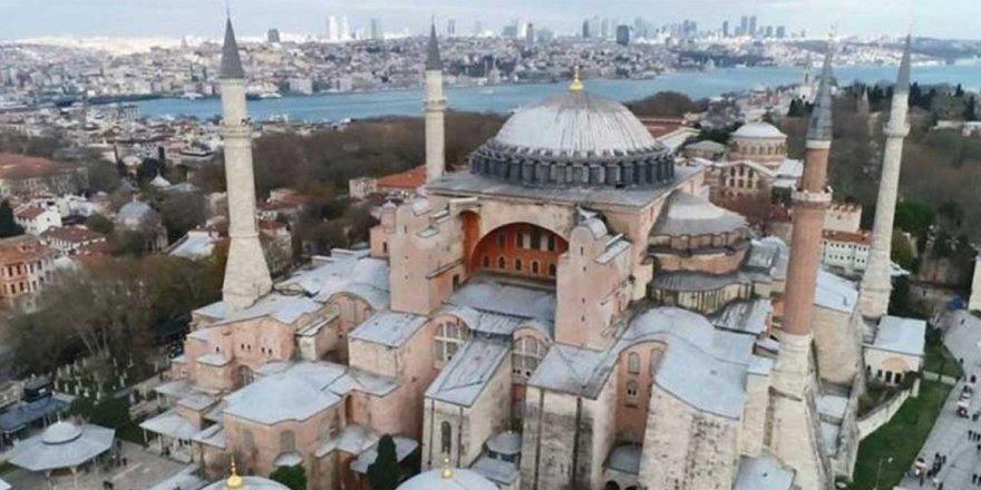 Aya Sofya'nın ibadete açılması güneyde de gündem oldu