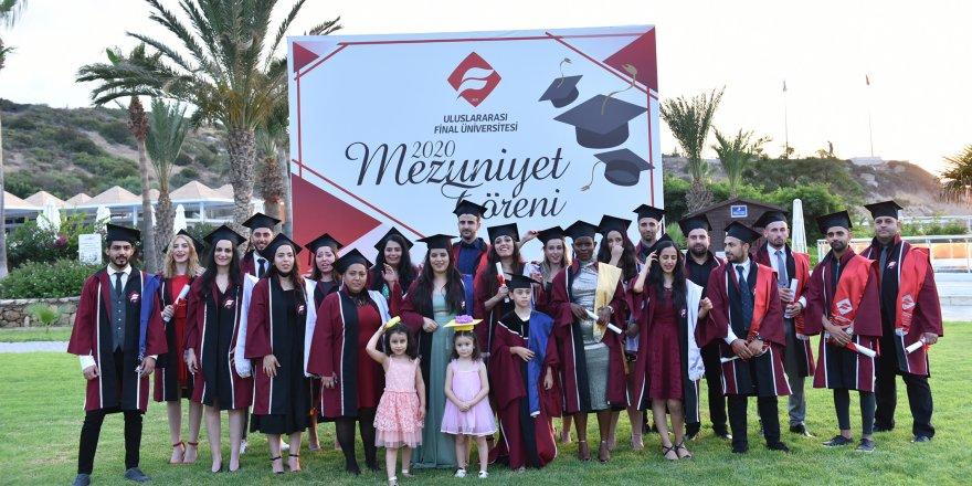 Final Üniversitesi'nde ilk mezuniyet sevinci