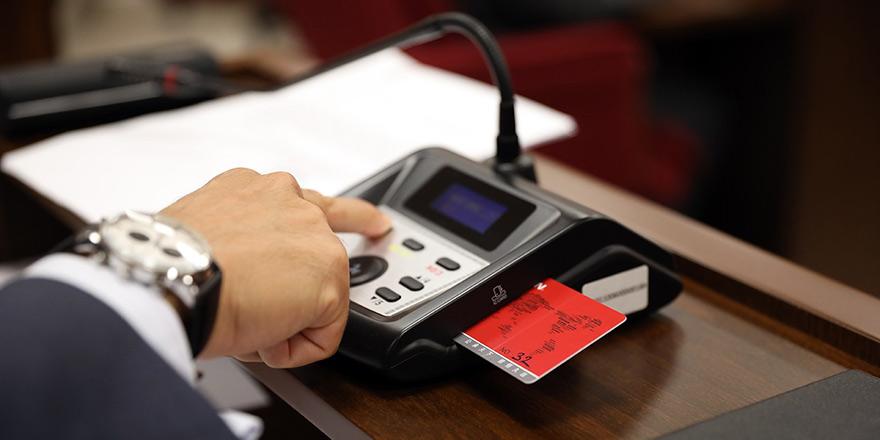 Meclis'e elektronik oylama sistemi kuruldu