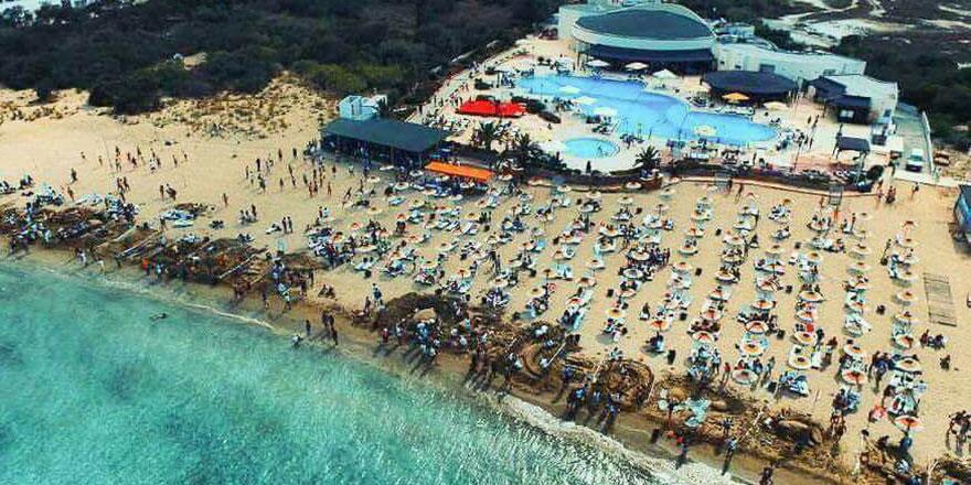 DAÜ Beach Club tüm hizmetleriyle devrede
