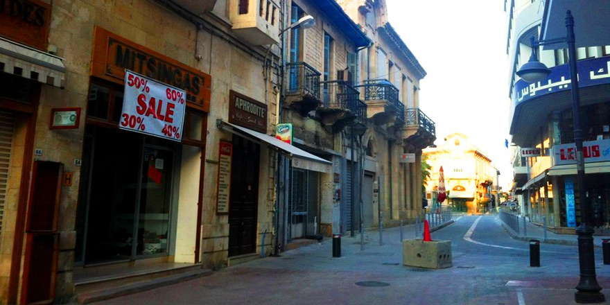 Limasol ve Baf'ta sokağa çıkma yasağı