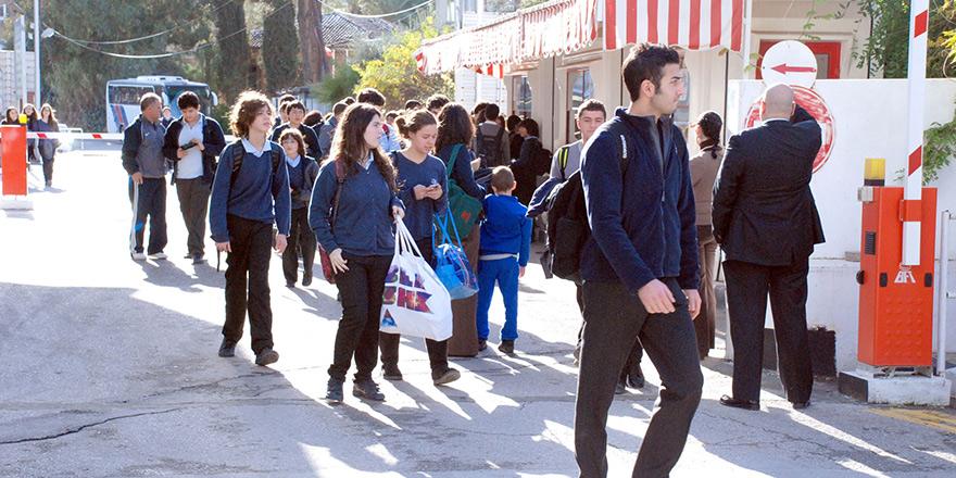 'Okul otobüsleri yeniden ara bölgede'