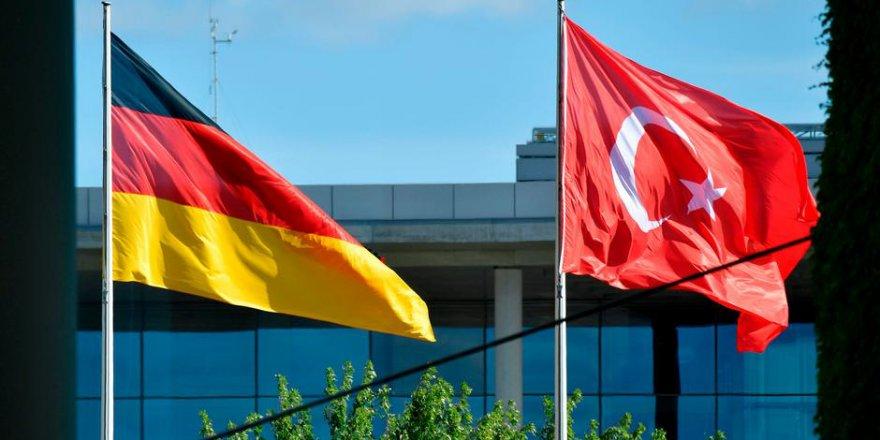 """Alman Dışişleri raporu: """"Türkiye'de ifade özgürlüğü iptal"""""""