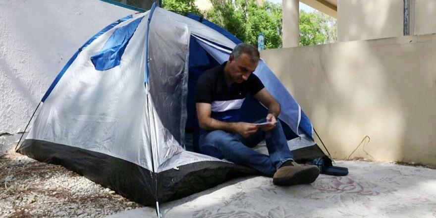 Ara bölgede çadır kurdu