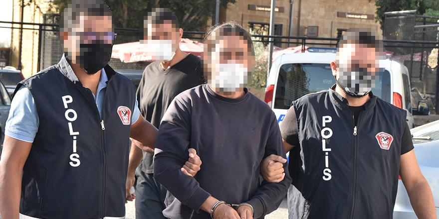 Askeri bölgede uyuşturucu ile yakalandı