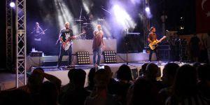 Gripin İskelede konser verdi