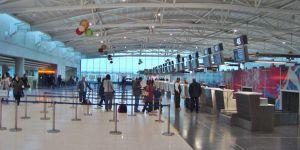 Sahte pasaport, Larnaka havaalanına takıldı!