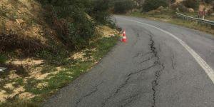 Avtepe – Kuruova köy yolu çöktü