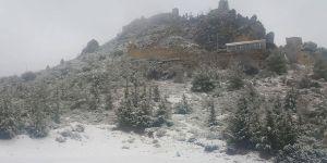 Hava sıcaklığı düştü, kar geldi…
