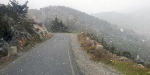 Beşparmaklar'da kar yağışı!