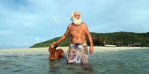 Milyonları vardı şimdi tropikal bir adada yaşıyor!