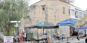 Mağusa Surlariçi'ndeki eski binalar dökülüyor!
