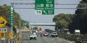 Japonya'da ehliyetini veren yaşlı sürücülere cenaze hizmeti indirimli