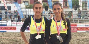 Çamlık Türkiye'de plaja iniyor