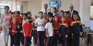 Yeşilyurt Özel Eğitim Merkezi öğrencilerden sergi…