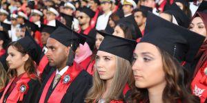 GAÜ bin 500 mezun daha verdi!