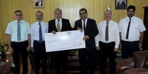 Kıbrıs Vakıflar Bankası'ndan Onkoloji Servisi'ne bağış