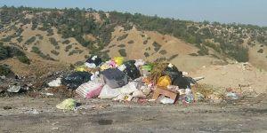 Esentepe'de çöplük alan oluştu!