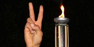 -Kıbrıs'ta Barış Engellenemez Η ειρήνη στην Κύπρο δεν θα εμποδιστεί-