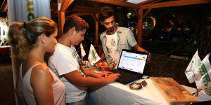 """Domates Festivali'nde  """"Bandabuliyam.com"""""""