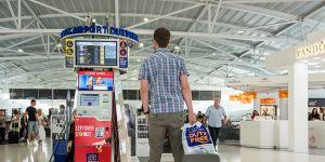 Larnaka'dan Heathrow'a uçmak, Ercan'a göre 1.364 TL daha ucuz