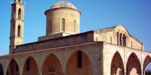 Kıbrıslı Rumlar Ay. Mamas Kilisesi'nde ayin yaptı