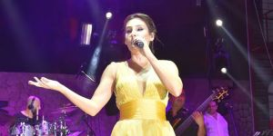Funda Arar'dan muhteşem performans