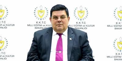 Türkiye'den öğretmen 'protokol gereği'