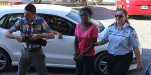 DEV-İŞ 'kaçak' çalıştırılan kadına sahip çıktı
