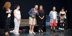 15. Tiyatro Festivali perdelerini 'Muallak' oyunu ile kapattı