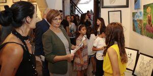 Meral Akıncı, Renkler ve İzler Karma Resim Sergisi'nin açılışını yaptı
