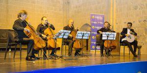 Burhan Öçal ile Çellistanbul Quartet dinleyenleri büyüledi