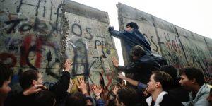 Berlin Duvarı'nın yıkılışının 27. yılı