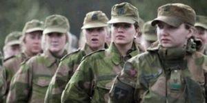 Güneyde ilk kadın askerler yemin etti