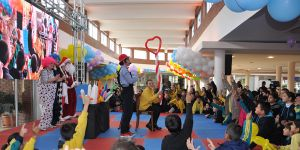 Güzelyurt'ta çocuklar yeni yılı kutladı