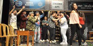 """""""Bak Başka"""" oyunu Çatalköy'de sahnelendi"""