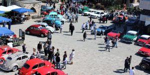 Klasik Otomobiller Mağusa Namık Kemal Meydanı'nda
