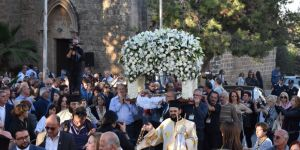 Kıbrıslı Rumlar Ay. Georgios Kserinos Kilisesi'nde ayin yaptı