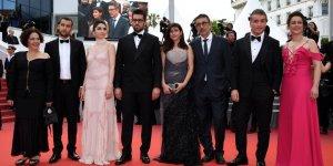 Hazar Ergüçlü, Cannes'da kırmızı halıda yürüdü