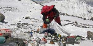 Everest'ten 8.5 ton çöp topladılar