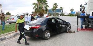 Gönyeli'de iki araç çarpıştı