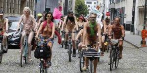 Brüksel'de çıplak protesto