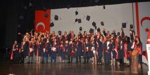 YDÜ Tıp Fakültesi mezuniyet törenini yaptı