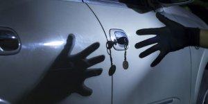 Şiddet uyguladılar, arabayı alıp kayıplara karıştılar…
