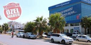 İŞ BANKASI önünde, 'yol güvenliği' tehdidi