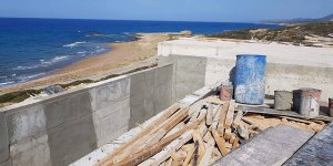 Sahilde inşaat caretta carettalar için endişe yarattı