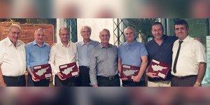 Yeni Kıbrıs Derneği'nden Cenk Mutluyakalı ve Sami Özuslu'ya ödül