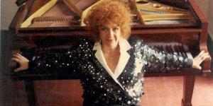 Piyanist Gülseren Sadak  Bellapais Manastırı'nda resital verecek