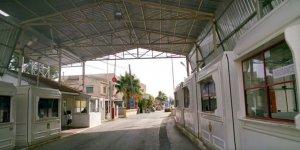 Beyarmudu'nda biri papaz, 4 gözaltı